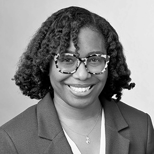 Portrait of Alesha Washington, Program Director, Vibrant Neighborhoods and Inclusive Economy